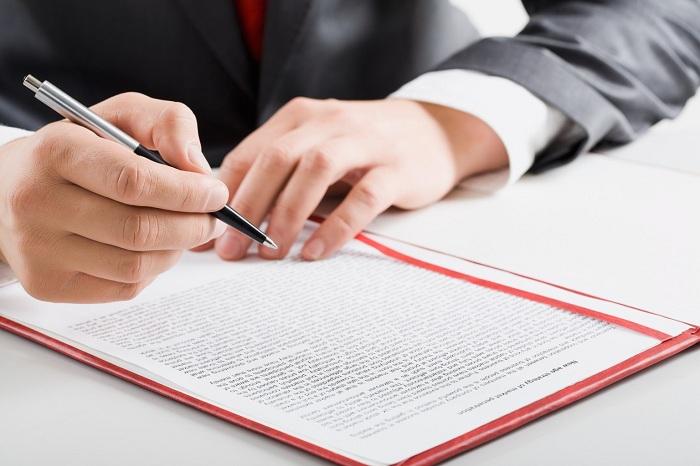 Подпись договора покупки жилья по ипотеке Сбербанка